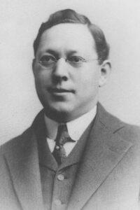 1912-1913 Julius Strauss
